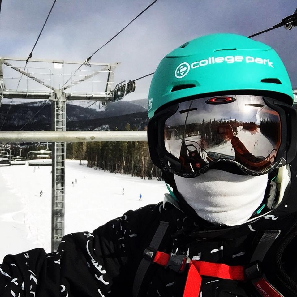 reggie-snowboarding